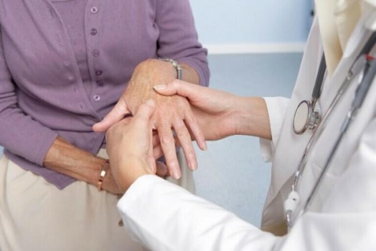 Các loại thuốc điều trị viêm khớp dạng thấp hiện nay