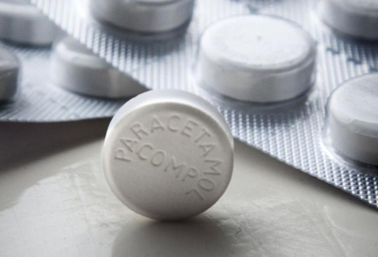 Paracetamol là thuốc giảm đau đơn thuần thường được dùng cho các trường hợp bị đau vai gáy sau khi ngủ dậy.