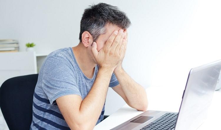 Tóc bạc sớm là tình trạng bệnh lý khiến nhiều người lo lắng
