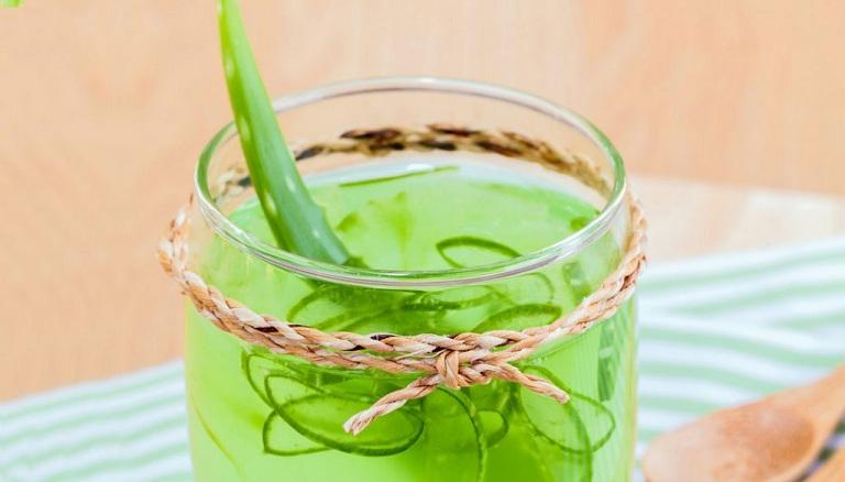 Uống nước nha đam giúp giảm thâm nám, dưỡng trắng da