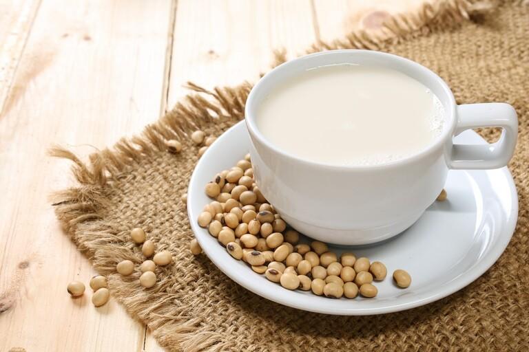 nam giới nên uống sữa gì tốt cho sức khỏe