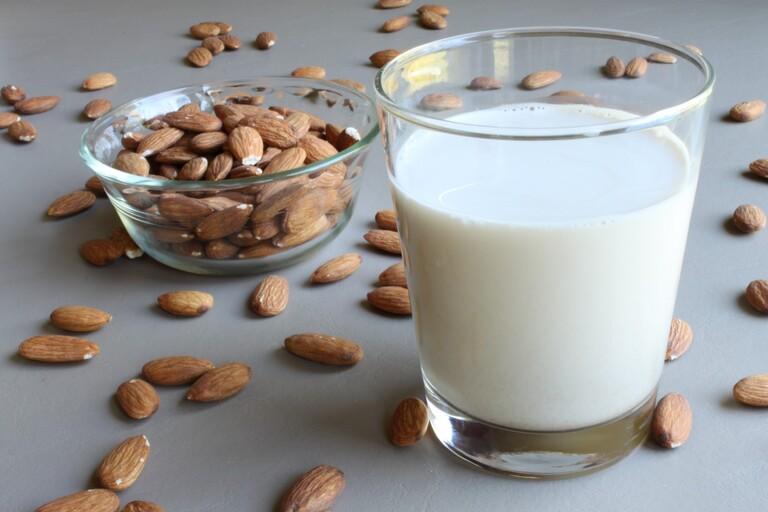 các loại sữa  tốt cho sức khỏe nam giới