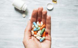 Viêm da tiết bã dùng thuốc gì