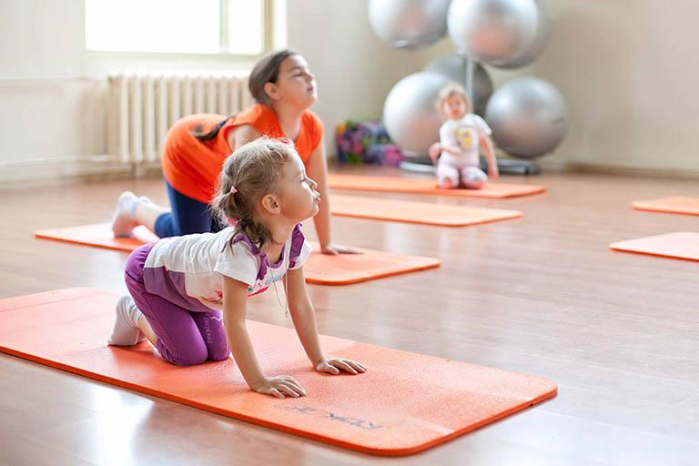 Điều trị viêm khớp dạng thấp ở trẻ em bằng biện pháp vật lý trị liệu