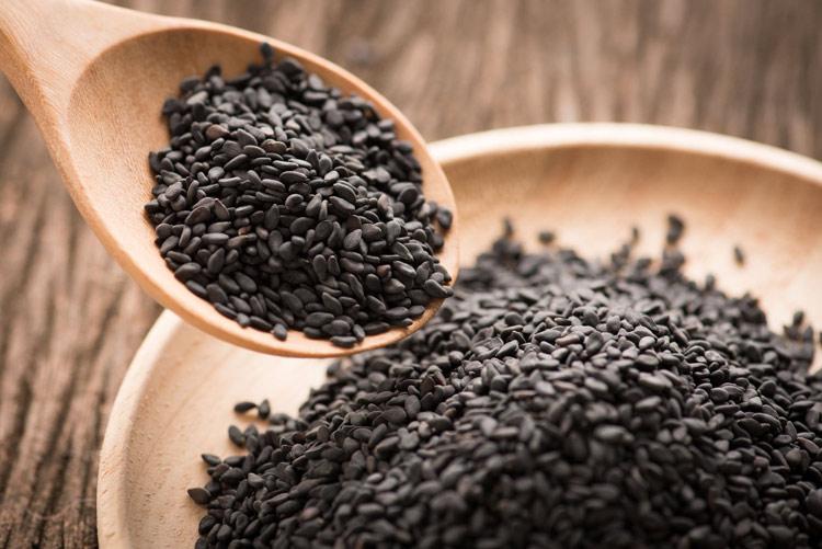 Vừng đen là loại thuốc giúp hồi sinh màu tóc đen khá tốt