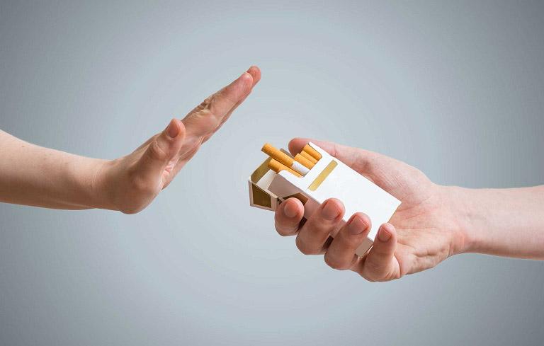 Bỏ thuốc lá sẽ giúp bạn tránh xa các nguy cơ từ bệnh viêm phế quản
