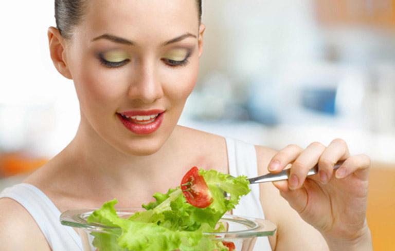 Xây dựng một chế độ ăn uống lành mạnh, giàu chất xơ rất cần thiết với những người mắc áp xe phổi