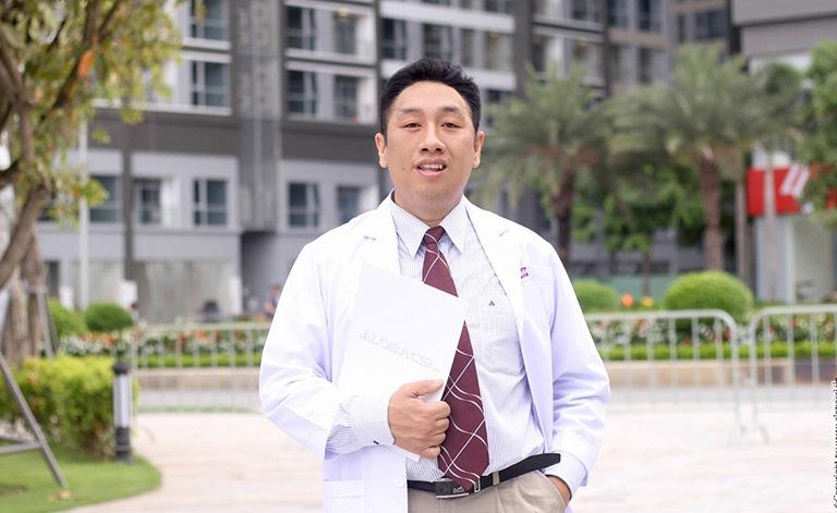 Chân dung BS Trần Ngọc Lưu Phương