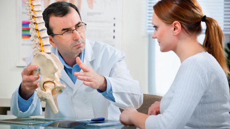 Bài tập chữa viêm khớp cùng chậu ở nam giới và nữ giới