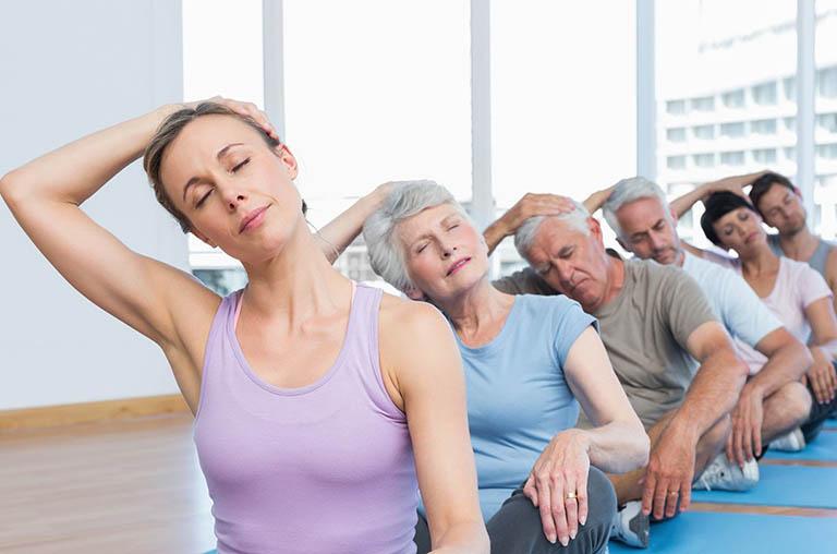Bài tập kéo trái tay giúp giảm đau, tê và chữa bệnh thoát vị đĩa đệm L4 L5
