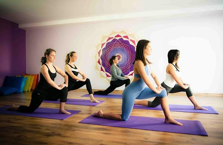 Luyện tập thể dục cũng là phương pháp ức chế cơn đau dạ dày