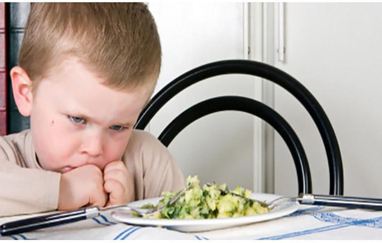 Thiếu hụt dinh dưỡng trong bữa ăn của trẻ là một trong những nguyên nhân gây bệnh