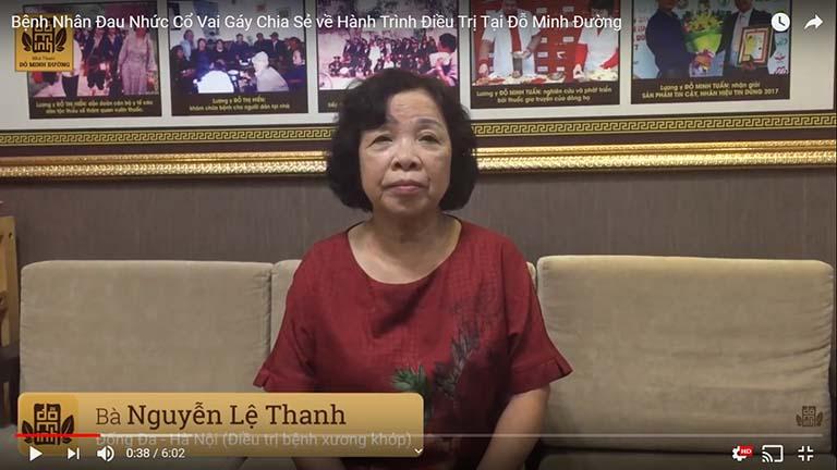 Bà Nguyễn Lệ Thanh chia sẻ về hiệu quả chữa xương khớp tại Đỗ Minh Đường (Ảnh chụp màn hình)