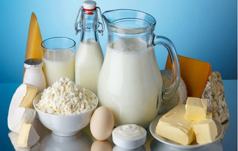 Sữa và các sản phẩm từ sữa là thực phẩm nên hạn chế