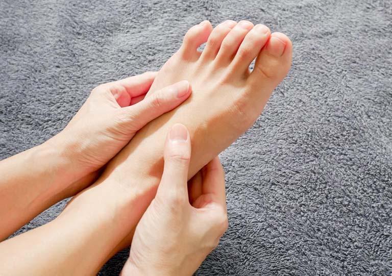 bệnh tê chân