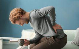 Thận yếu gây tiểu buốt và đau lưng ảnh hưởng rất nhiều tới sức khỏe và sinh hoạt của người bệnh