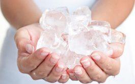 Bị tràn dịch khớp gối có nên chườm đá?