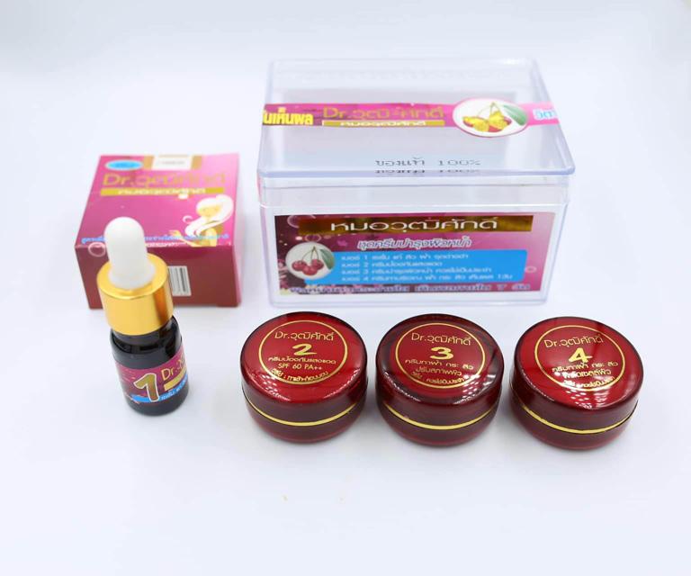 Bộ sản phẩm kem trị tàn nhang Thái Lan Yanhee