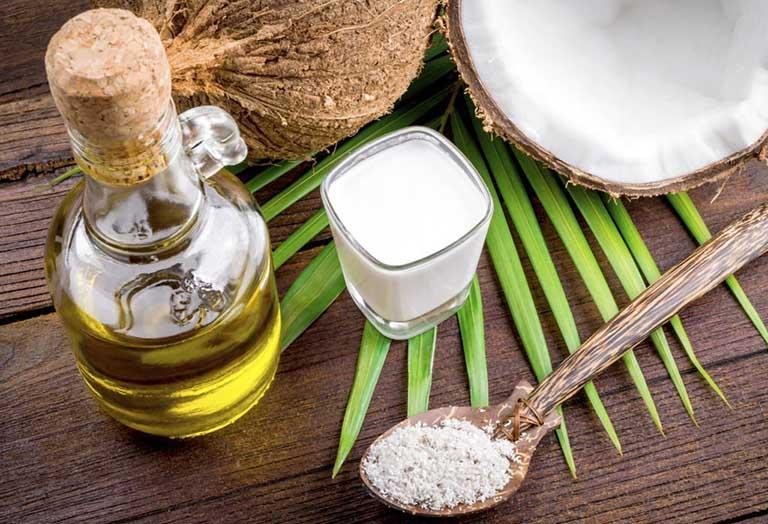 Cách chữa viêm da cơ địa tại nhà bằng dầu dừa