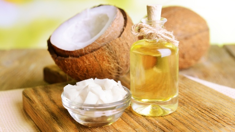 Trị á sừng bằng dầu dừa là phương pháp được nhiều người áp dụng vì hiệu quả cao, an toàn và chi phí thấp.