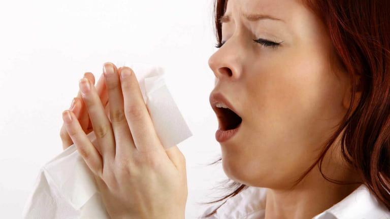 Hoạt chất allicin trong tỏi giúp các triệu chứng viêm mũi dị ứng nhanh chóng được cải thiện.