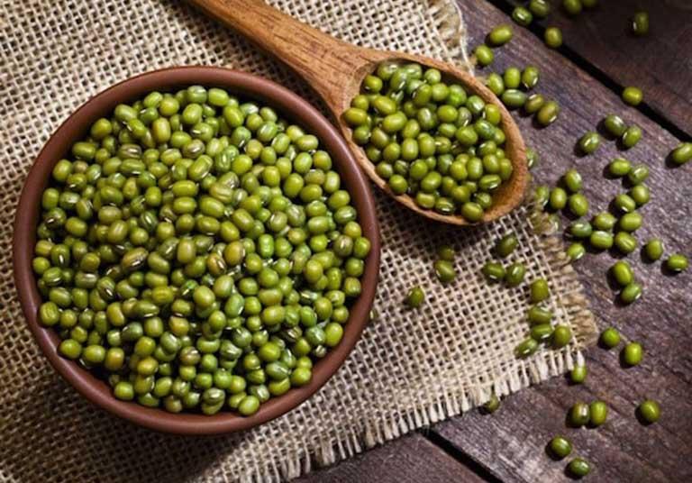 Chữa mụn nhọt ở mặt bằng đậu xanh là phương pháp an toàn và hiệu quả