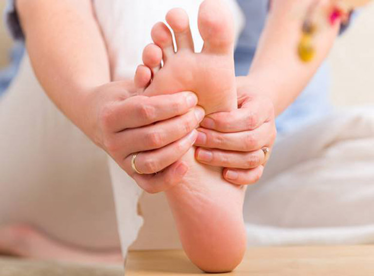 Vật lý trị liệu giúp cải thiện tình trạng tê bì chân tay hiệu quả