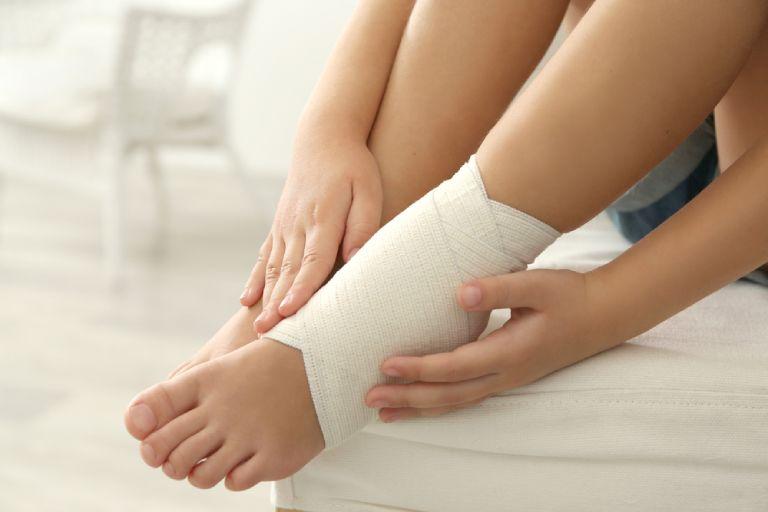 Nẹp cổ chân giảm đau