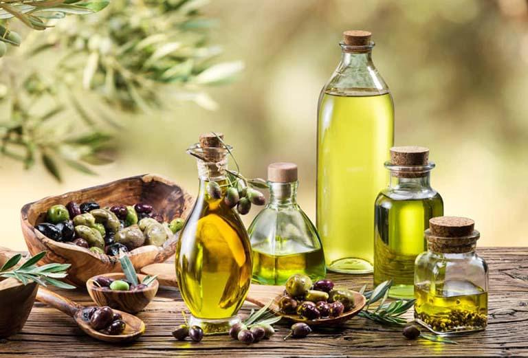 Làm sạch da, trị khô và bong tróc da bằng dầu ô liu