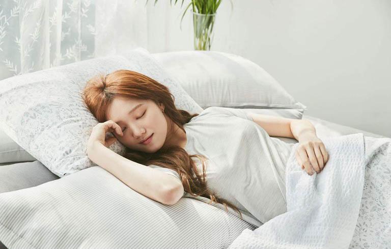 Đảm bảo một giấc ngủ ngon sẽ giúp bạn dễ chịu hơn trong kỳ kinh