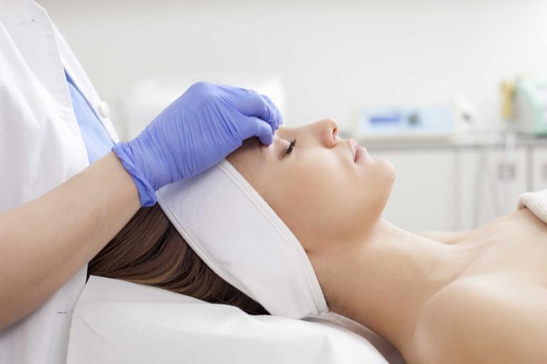Đánh bay tàn nhang hiệu quả với phương pháp phẫu thuật lạnh