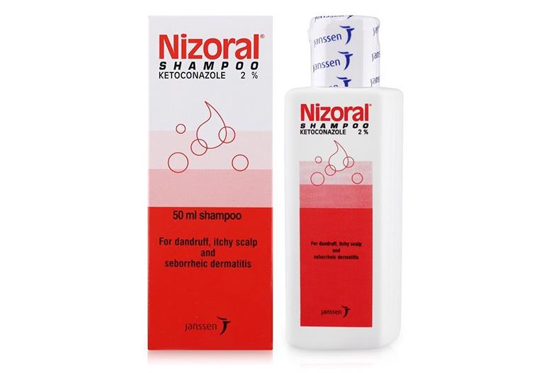 Dầu gội đầu Nizoral chủ yếu chứa thành phần Ketoconazole có tác dụng kháng nấm, diệt khuẩn