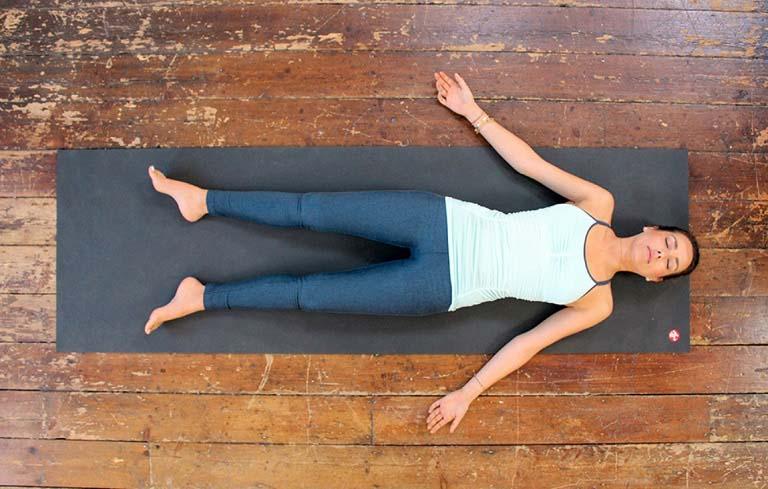 Hít thở là động tác nhẹ nhàng, dễ thực hiện mà lại rất hiệu quả cho người đau bụng kinh