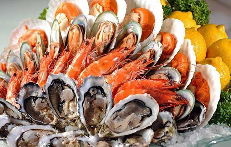 Hải sản là loại thực phẩm thường xuyên gây nên nguyên nhân bị dị ứng