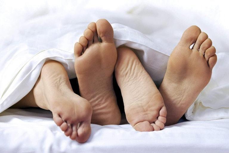 Ra nhiều khí hư xanh bất thường, mùi hôi do bệnh về đường tình dục