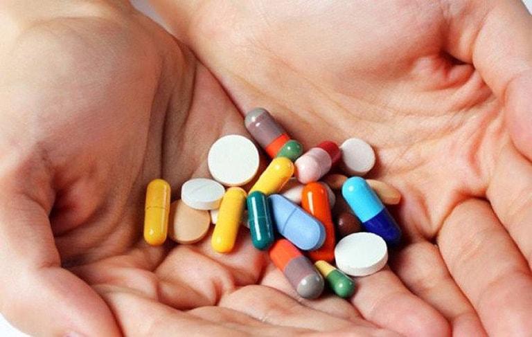 Dùng thuốc kháng sinh kéo dài là nguyên nhân dẫn đến ra nhiều khí hư