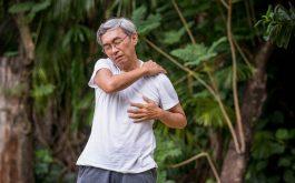 Kinh nghiệm chữa khỏi bệnh xương khớp lâu năm của cụ ông 70 tuổi