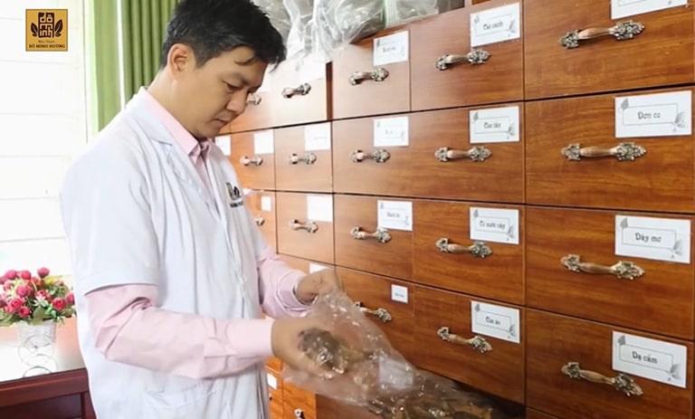 Với trăn trở về người bệnh và nghề y thôi thúc lương y nghiên cứu hoàn thiện bài thuốc chữa viêm xoang