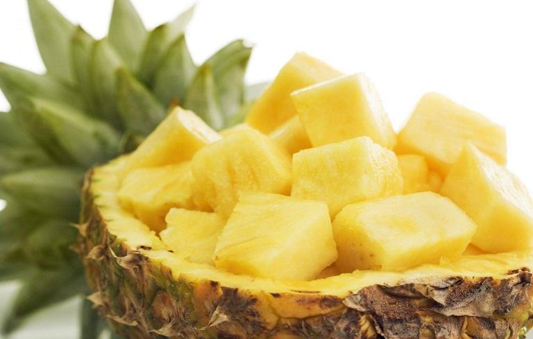 Ăn dứa giúp giảm cơn đau bụng kinh