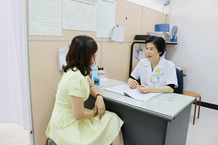 Dùng thuốc theo đúng chỉ dẫn được bác sĩ khuyến cáo với cả thuốc bôi và thuốc uống
