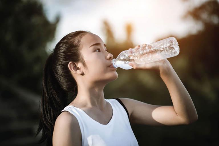 Biện pháp phòng ngừa nổi mụn nước ngứa ở lòng bàn tay, bàn chân