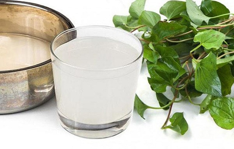 Nước vo gạo và rau diếp cá giúp giảm triệu chứng viêm họng hiệu quả