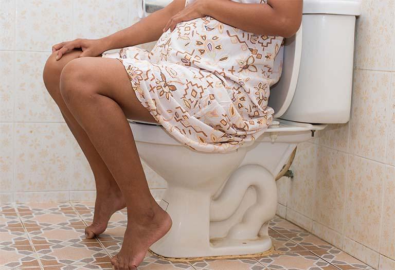 Khi bị sa búi trĩ trong thời kỳ mang thai, các mẹ bầu thường xuyên mệt mỏi, chán ăn