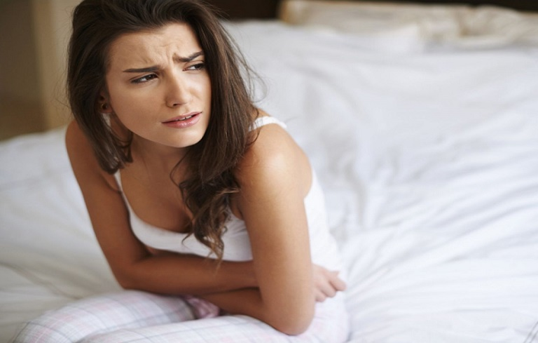 Đau bụng kinh nguyệt bất thường luôn kéo dài hơn 12 tiếng