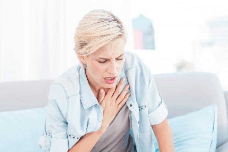 Khó thở là triệu chứng phổ biến của viêm dạ dày