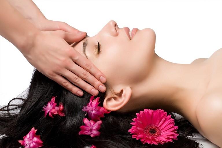 Trị rụng tóc sau sinh bằng các loại dầu gội đầu