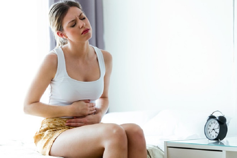Đau bụng, khó chịu là dấu hiệu của đại tràng co thắt