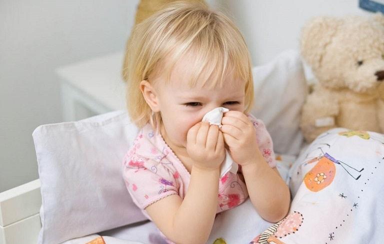 Giai đoạn đầu của bệnh có triệu chứng tương tự như cảm cúm