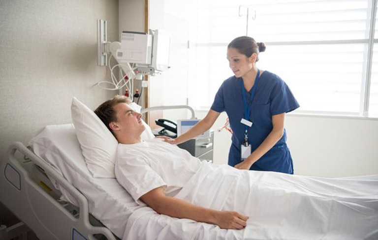 Tư thế dẫn lưu cần phải được xác định tùy theo tổn thương ở người bệnh