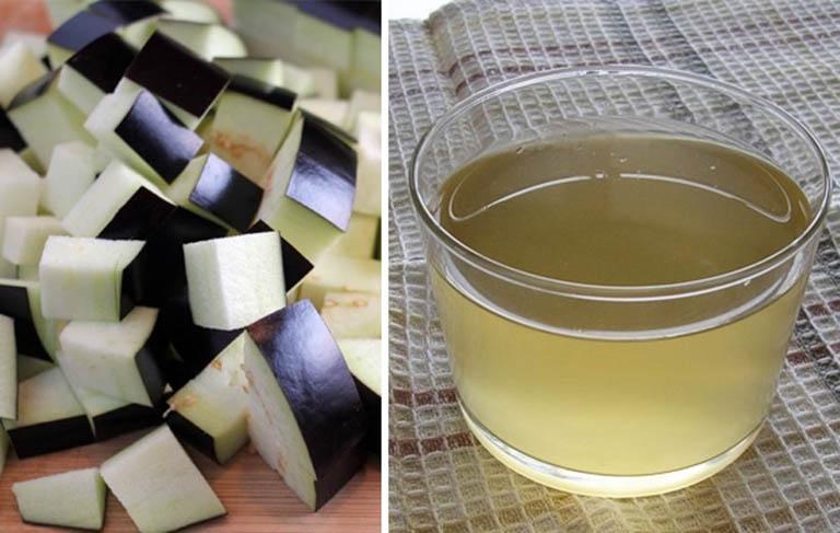 Uống nước nấu cà tím mỗi ngày để cải thiện triệu chứng đau nhức do bệnh đau khớp gây ra